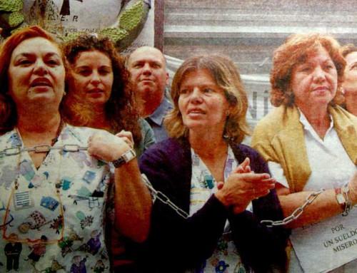 28 de abril de 2005: Trabajadores se encadenan en el Hospital Materno-Infantil