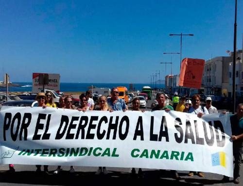 Intersindical Canaria con las madres de la Oliva en reclamación de pediatras