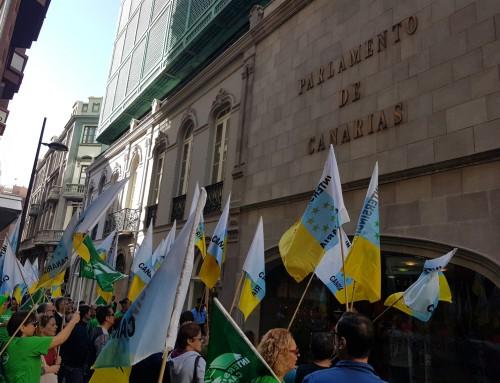 Intersindical Canaria reivindica ante el Parlamento, la recuperación de los derechos laborales hurtados y justicia social en los Presupuestos